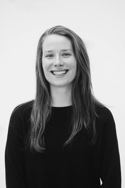 Portrait picture of Amy van den Hooven
